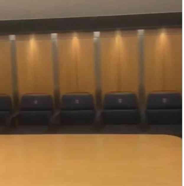 LUKSUZNI APARTMAN ZA CRVENO-BELE: Ovako izgleda Zvezdina svlačionica na stadionu Pari Sen Žermena (VIDEO)