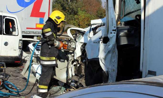Lančani sudar na auto-putu kod Jagodine, poginulo sedam osoba, povređeno do 40