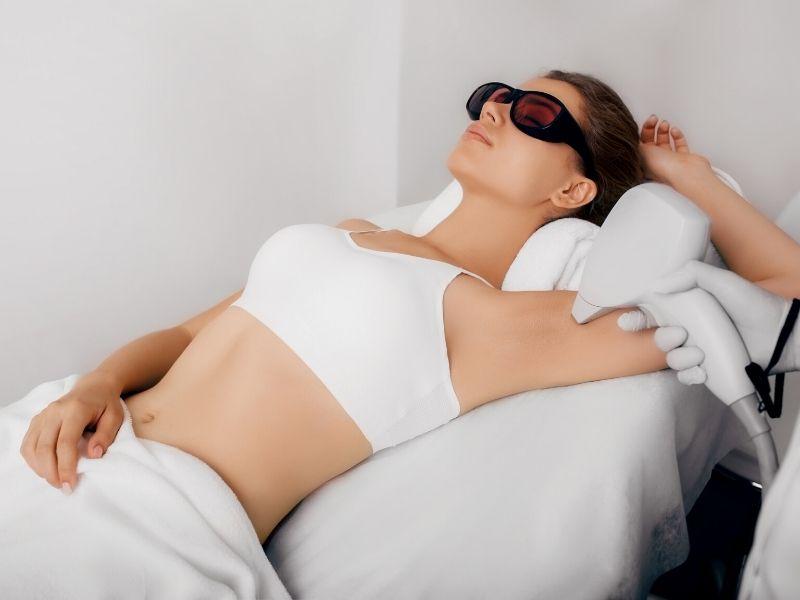 Laserska epilacija – prednosti i neželjeni efekti