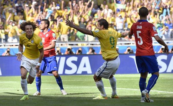 Legendarni brazilski napadač ponovo na terenu!