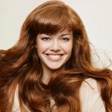Lenji ste za stilizovanje kose? Ova frizura je pravi izbor za vas! (FOTO)