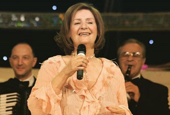 Lepa Lukić: Čujem da se neke pevačice plaše da Boki 13 ne progovori!