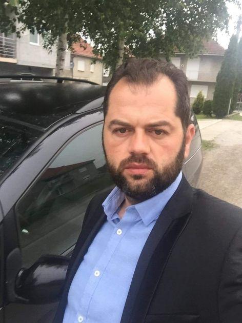 Leposavić da podnese ostavku