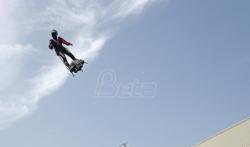 Leteći čovek pao na pola puta u prvom pokušaju prelaska Lamanša (VIDEO)