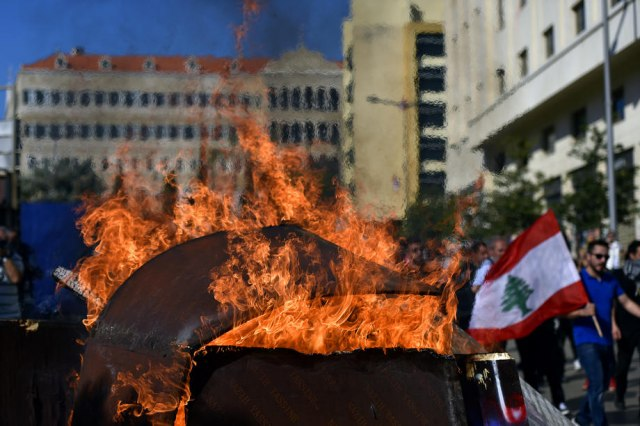 Liban: Demonstranti sprečili poslanike da uđu u parlament