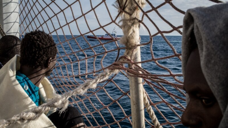 Libanska mornarica presrela brod sa 11 migranata