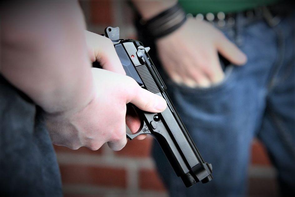 Lipljan:U revolveraškom obračunu komšija jedan mrtav, petoro ranjeno