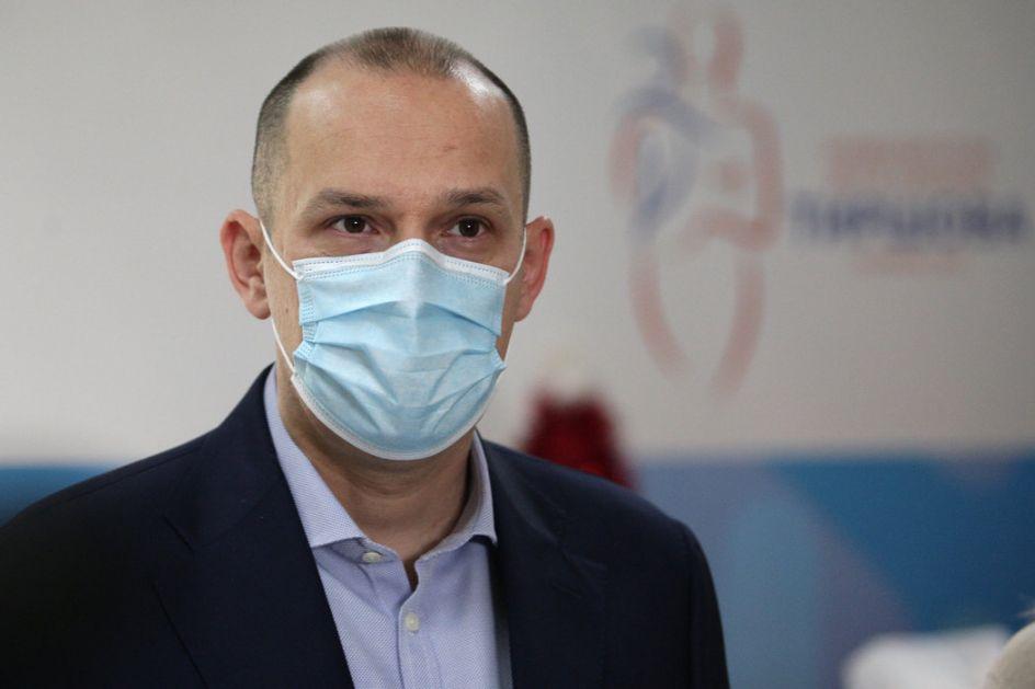 Lončar i Gašić primili kinesku vakcinu Sinofarm