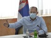 Lončar demantovao mladića sa protesta: KBC Zemun ima dovoljno respiratora