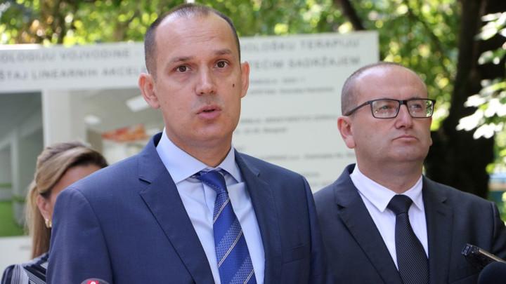 Lončar osudio pretnje Vučićevoj porodici