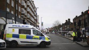 Londonska policija uhapsila desetine demonstranata protiv restriktivnih mera