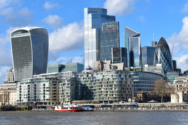 Londonski Siti teško pogođen, najgore tek sledi