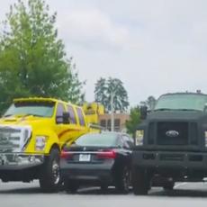 Loše je parkirala, pa su je zagradili da je nauče pameti... A onda je ona uradila OVO! (VIDEO)