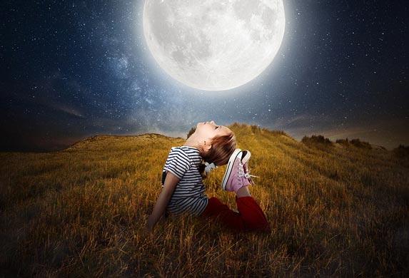 Loše spavate, budite se noću!? Pun mesec i uticaj na ljude!