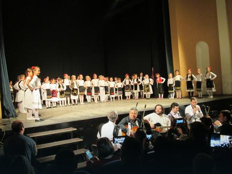 Loznica: Folkloraši priredili humanitarni koncert za druga