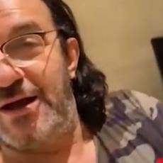 Lukas podelio snimak iz SVOG LUKSUZNOG DOMA! Vidite KO mu je došao na VRATA! Pevač se OZARIO (VIDEO)
