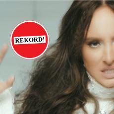 Luna Đogani novom pesmom postavila REKORD na Jutjubu (FOTO)