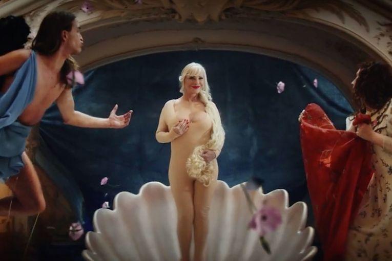 Luvr i Ufici tuže erotski sajt zbog aplikacije koja prikazuje porno glumce na najpoznatijim umetničkim delima