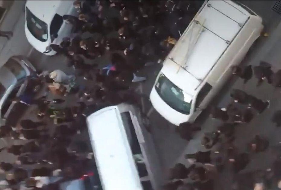 MAKLJAŽA LEVIČARA I DESNIČARA U BEČU: Policija stala na stranu ovih drugih, evo kako se završilo VIDEO