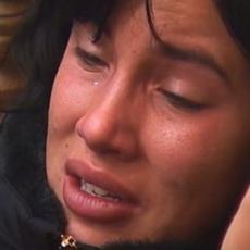 MALA MAGDALENA ČULA DA IH DAVID OSTAVLJA!? Samo je zažmurila, majka je grli, a onda... UH: Slika iz Veternika