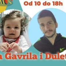 MALI LJUDI, ALI VELIKO SRCE! Osnovci iz Desimirovca organizovali humanitarni bazar za pomoć malom Gavrilu (FOTO)