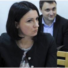 MALOVIĆ PORUČILA ĐILASU: Srbija uvek pobeđuje i one koji melju ljude i one koji pljačkaju