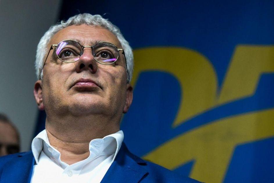 MANDIĆ: Svi Srbi treba da odgovore na nasilnu asimilaciju u Crnoj Gori! Milo je izvođač radova, drugi su kreatori