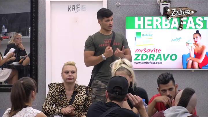 MARKA MARKOVIĆ OPTUŽILI DA FLERTUJE SA ANOM I SA MAJOM, on ozlojeđen: Neću biti ni sa jednom devojkom ovde! (VIDEO)