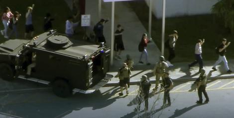 MASAKR NA FLORIDI Najmanje 16 mrtvih u pucnjavi u školi, na desetine ranjenih (VIDEO)