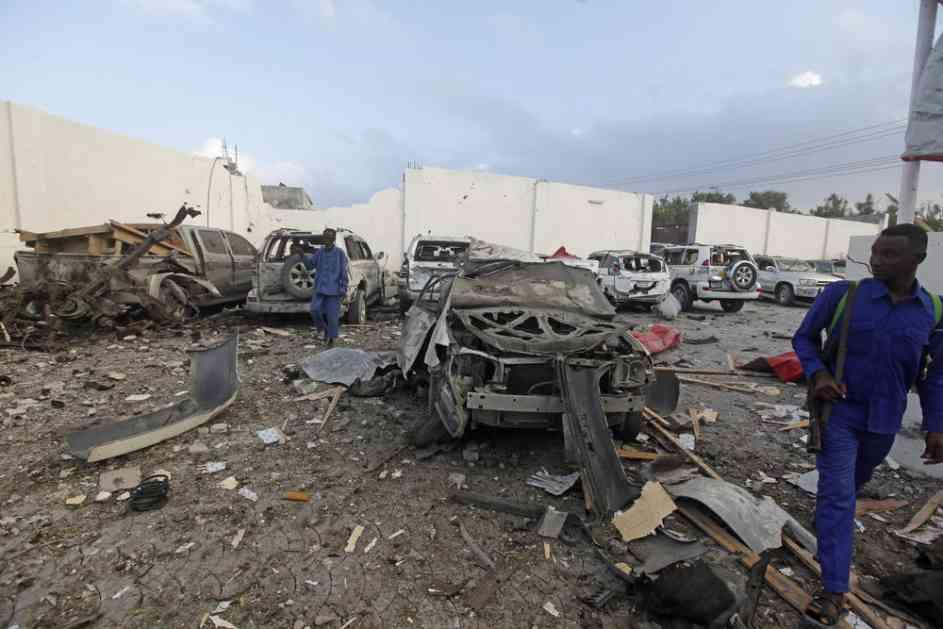 MASAKR U MOGADIŠU: 20 mrtvih u eksploziji 3 automobila bombe (FOTO)