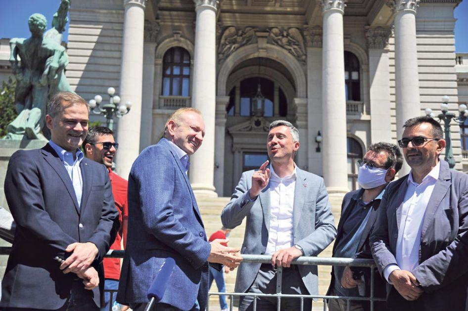 MASKE SU PALE: Đilasov SZS je finansijsko-interesni lobi, nema veze s politikom!