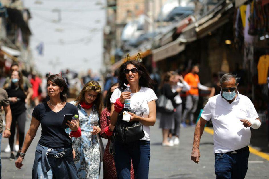 MASKE VIŠE NISU OBAVEZNE Izrael ukinuo ovu obavezu na otvorenom, a evo kada neće morati da se nose ni u zatvorenom! FOTO