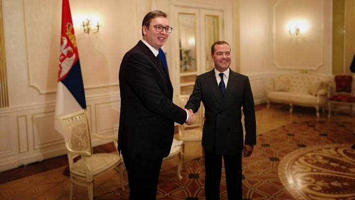 MEDVEDEV SRBIJI DONOSI VAŽNU PORUKU - Ovo su detalji njegove posete Beogradu, a evo koje sve ugovore i sporazume donosi ruski premijer!