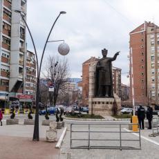 MEĐUNARODNA ZAJEDNICA OPET ĆUTI: Osudite napad terorista na mlade Srbe na severu Kosmeta