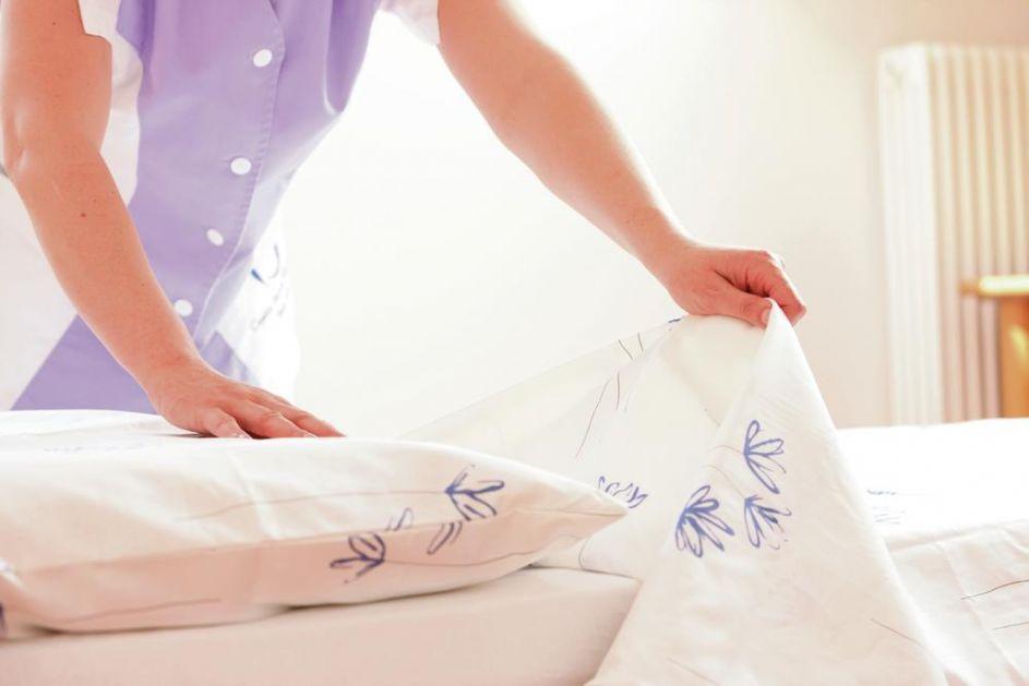 MENJATE LI POSTELJINU REDOVNO? Nikako nemojte spavati u prljavim ČARŠAVIMA!