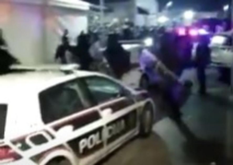 MIGRANTI UHAPŠENI ZBOG NASILJA U BLAŽUJU: BiH proteruje 17 ilegalaca u zemlje porekla!