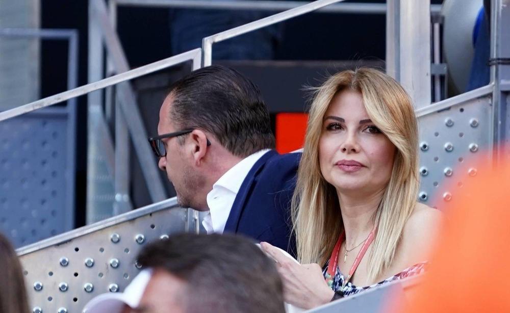 MIJATOVIĆI BLISTALI NA SVADBI DECENIJE: Supruga slavnog fudbalera u centru pažnje na venčanju Serhija Ramosa! Pogledajte zašto (FOTO)