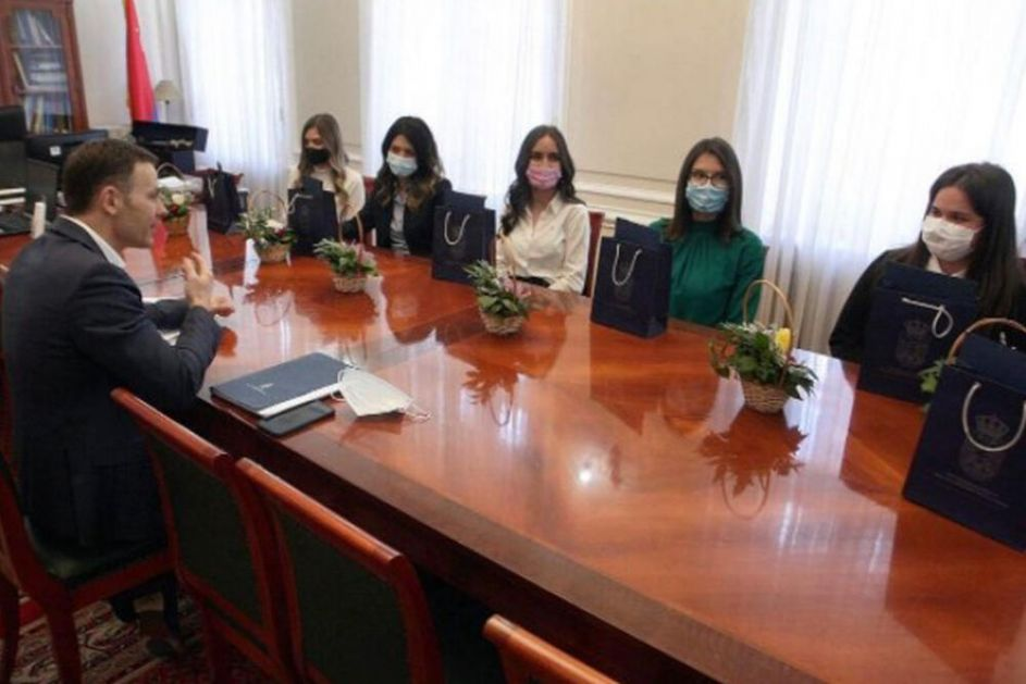 MINISTAR MALI OBJAVIO: Za 7 najboljih studenata Ekonomskog fakulteta posao u Ministarstvu finansija