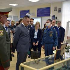 MINISTAR VULIN U MOSKVI: Obišao Akademiju za civilnu zaštitu, nastavlja se saradnja (FOTO)