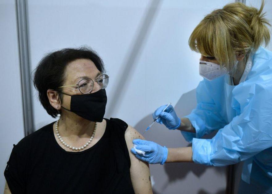 MINISTARKA ČOMIĆ PELCOVALA SE U BELEKSPOCENTRU: Vakcinu nije birala a primila je ovu! Poručila ljudima da spasu sebe i porodice