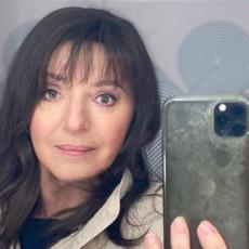 MIRJANA KARANOVIĆ POTPUNO GOLA: Poznata glumica ovim potezom ŠOKIRALA javnost u Srbiji - SVE SE VIDI (FOTO)