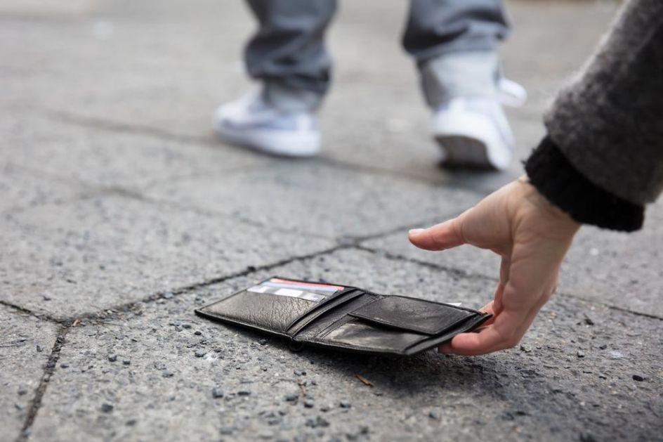 MIRSAD (16) IZ BIJELOG POLJA PRIMER ODRASLIMA: Pronašao novčanik i vratio ga vlasniku, a nije mu prvi put