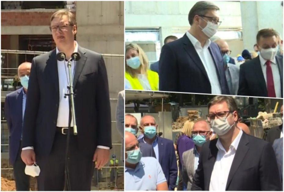 MISLILI SU DA NA OVO PITANJE NEĆE ODGOVORITI: Evo šta je Vučić rekao na ZLOBNE prozivke da NE NOSI MASKU