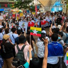 MJANMAR KLIZI U GRAĐANSKI RAT: Vojska puca na demonstrante, na ulicama haos, veliki broj ljudi ubijen