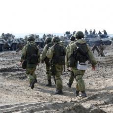 MOGUĆA RUSKA INVAZIJA NA UKRAJINU: Na granici već 1.000 tenkova, a stiže oko 115.000 do zuba naoružanih vojnika