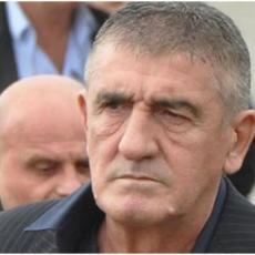 MOMENTALNA SUSPENZIJA! Policajac posetio Brana Mićunovića i to skupo platio
