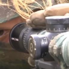 MORAJU DA BUDU NEVIDLJIVI: Snajperista otkrio šta sve treba za uspešnu misiju (FOTO/VIDEO)