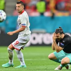 MORAO JE DA IZAĐE IZ IGRE: Poznata težina povrede Aleksandra Dragovića (FOTO)