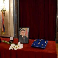 MORATE BITI STALNO DOSTUPNI, NA ČELU KOLONE Održana komemoracija povodom smrti Predraga Marića