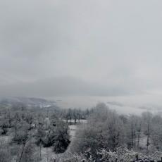 MRAZ NAJLJUĆI NEPRIJATELJ! Voćnjaci u Šumadiji ponovo osvanuli pod snegom, šta će biti sa ovogodišnjim rodom